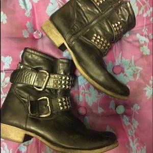 MIA Moto boots